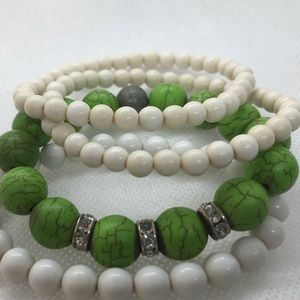 Set of 4 beaded stretch bracelets